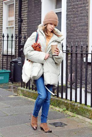 Emilia Clarke - Out in London