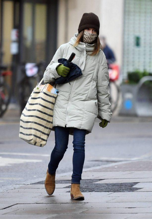 Emilia Clarke - Shopping candids in London