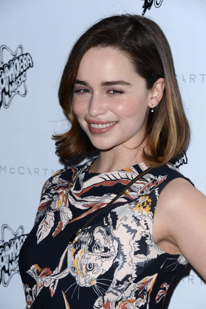Emilia Clarke: Stella McCartney Autumn 2016 Presentation -03