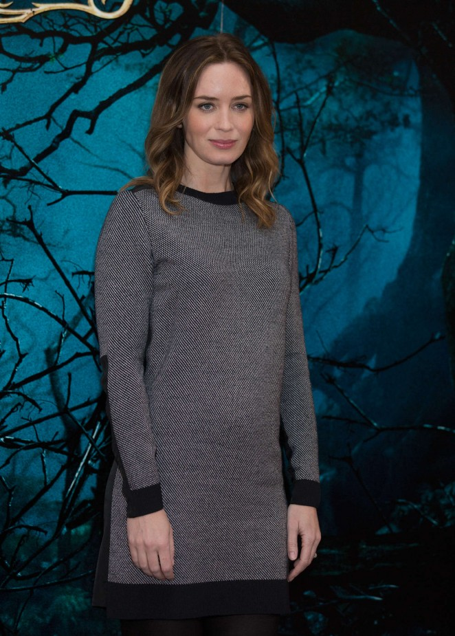 """Emily Blunt - """"Into The Wood"""" Photocall in London"""