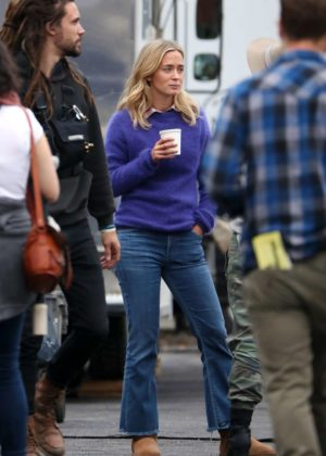 Emily Blunt - On the set of 'A Quiet Place' in New York