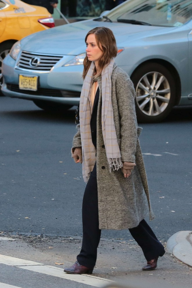 Emily Blunt - On the set of 'Girl on the Train' in NY