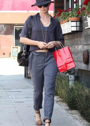 Emily Blunt - Shopping in LA