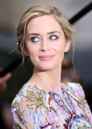 Emily Blunt - 'The Girl On The Train' Premiere in London