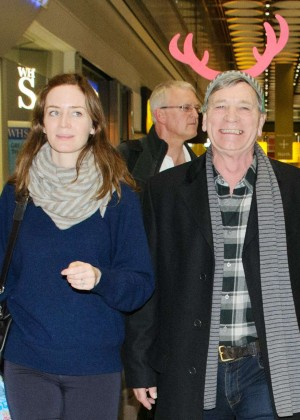 Emily Blunt at Heathrow Airport -02