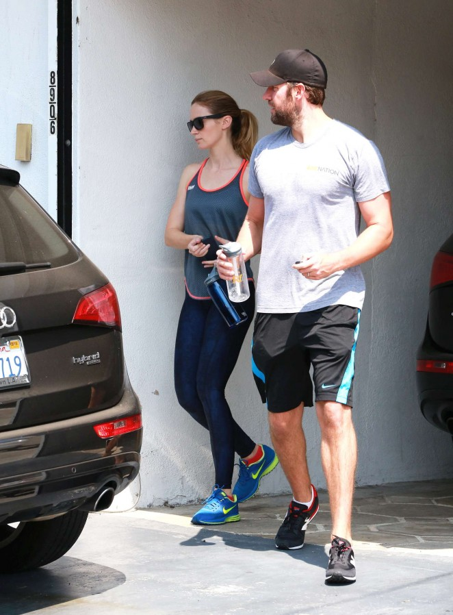 Emily Blunt in Spandex Leaving Rise Movement Studio in West Hollywood