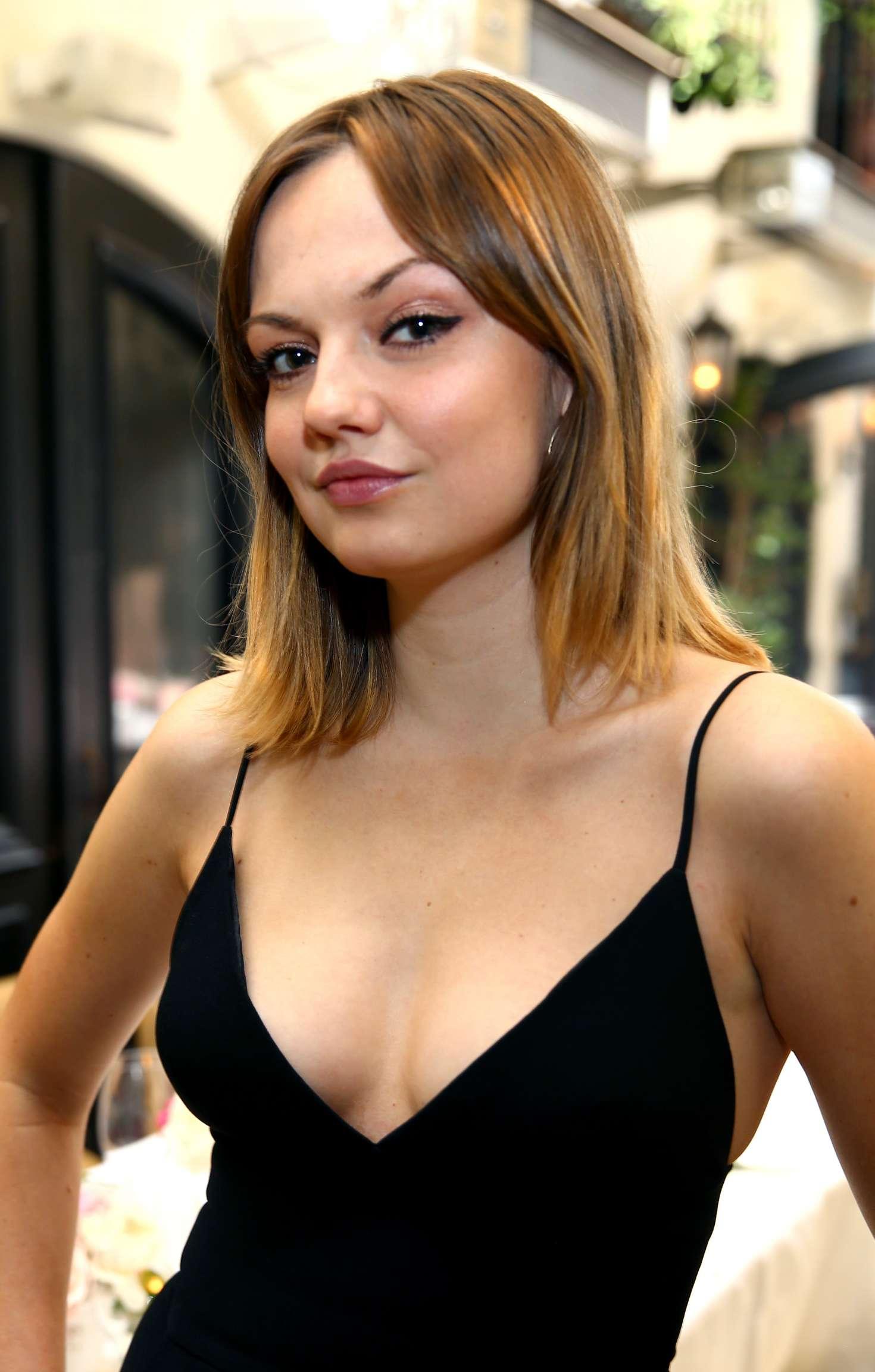 Bikini Emily Meade  nudes (93 images), iCloud, cleavage