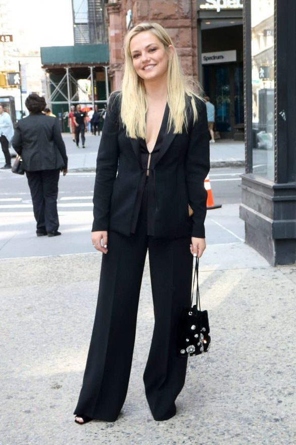 Emily Meade - Outside Build Series in New York