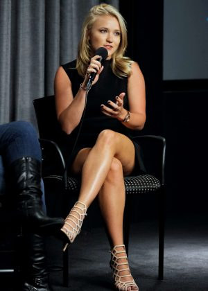 Emily Osment - SAG-AFTRA Foundation Conversations with Mom in Los Angeles