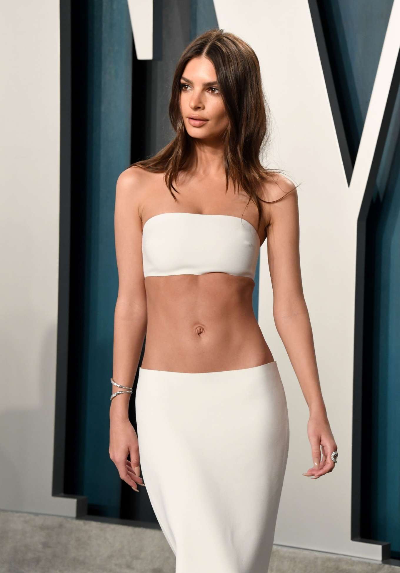 Emily Ratajkowski - 2020 Vanity Fair Oscar Party in Beverly Hills