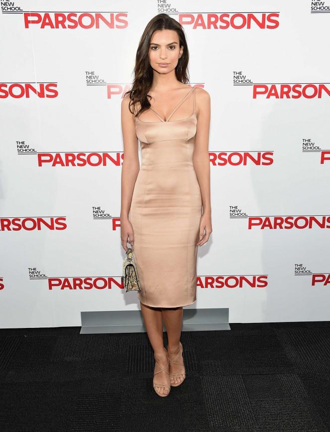 Emily Ratajkowski: 2015 Parsons Fashion Benefit -02