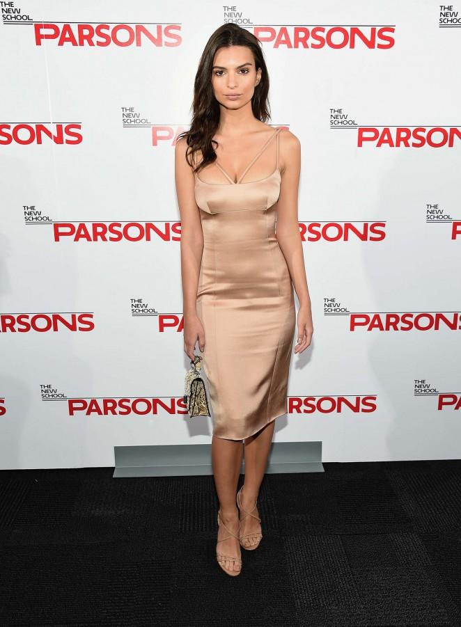 Emily Ratajkowski: 2015 Parsons Fashion Benefit -06