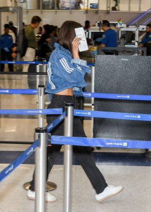 Emily Ratajkowski - Arrives at LAX Airport in LA
