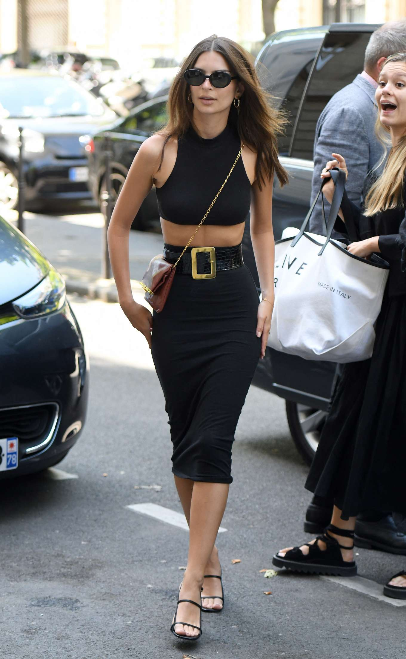 Emily Ratajkowski: Arrives at Royal Monceau hotel-02