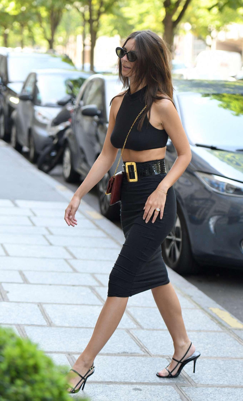 Emily Ratajkowski 2019 : Emily Ratajkowski: Arrives at Royal Monceau hotel-08