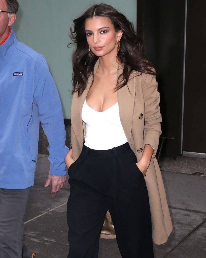 Emily Ratajkowski - Arrives at The Today Show in NYC