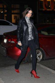 Emily Ratajkowski - Arrives back at her apartment in New York City