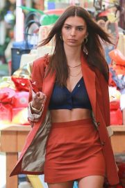 Emily Ratajkowski - Arriving for a meeting at The Grove in Los Angeles