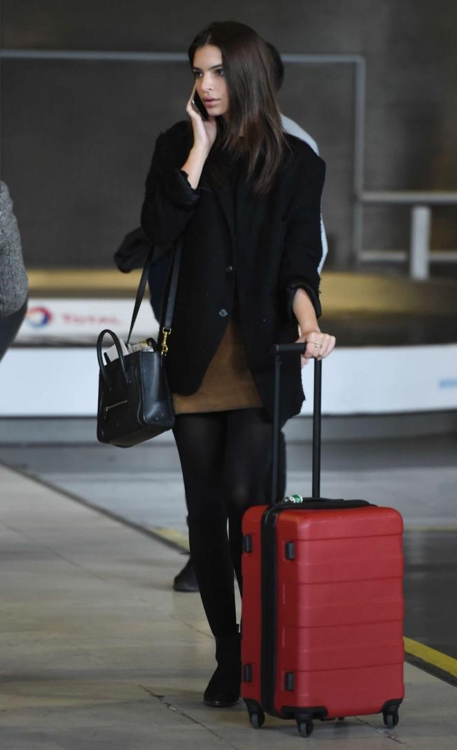 Emily Ratajkowski at Charles de Gaulle Airport in Paris
