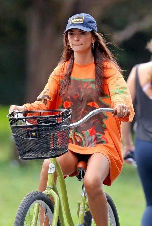 Emily Ratajkowski - Bike ride in The Hamptons