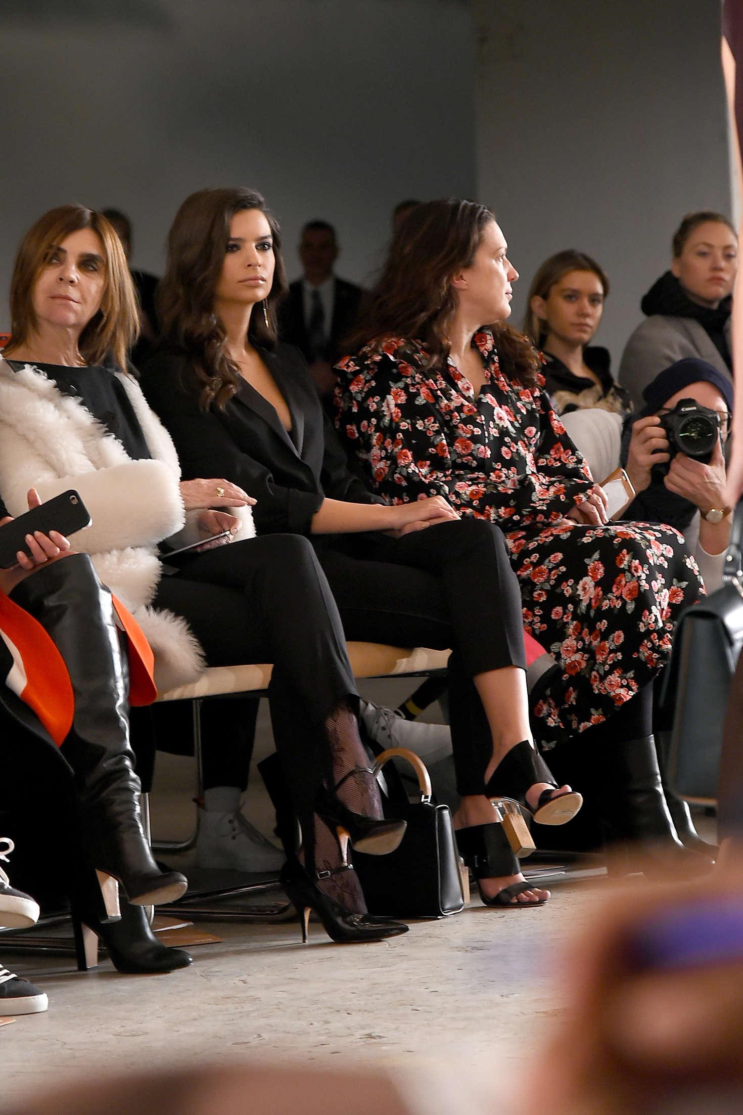Emily Ratajkowski 2016 : Emily Ratajkowski: Boss Womenswear 2016 Fashion Show -11