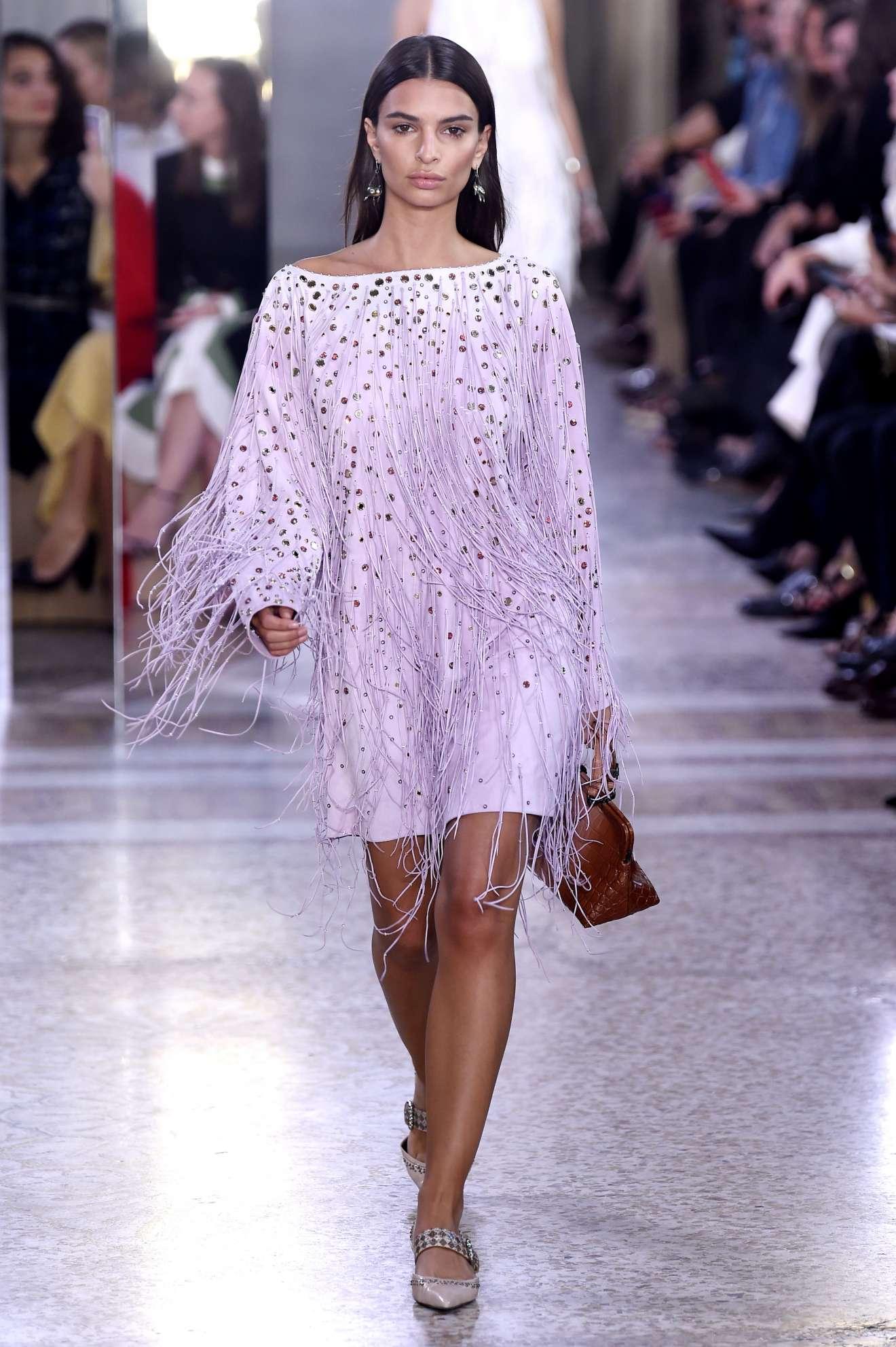 Image result for Emily Ratajkowski milan fashion week