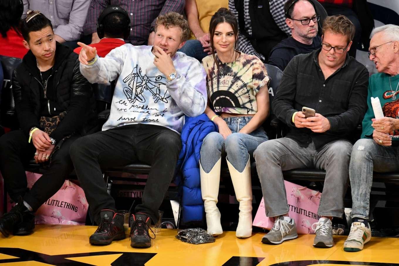 Emily Ratajkowski 2020 : Emily Ratajkowski – Cleveland Cavaliers vs Los Angeles Lakers at Staples Center-02