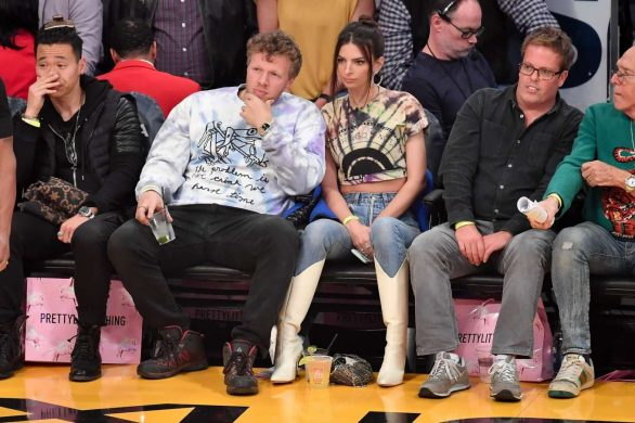 Emily Ratajkowski 2020 : Emily Ratajkowski – Cleveland Cavaliers vs Los Angeles Lakers at Staples Center-20