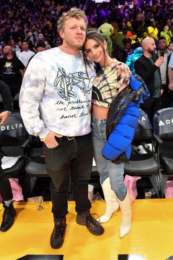 Emily Ratajkowski 2020 : Emily Ratajkowski – Cleveland Cavaliers vs Los Angeles Lakers at Staples Center-21