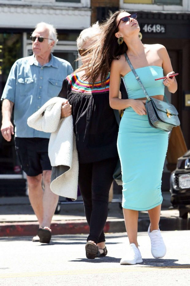 Emily Ratajkowski: Has a lunch date with her parents in Los Feliz -20