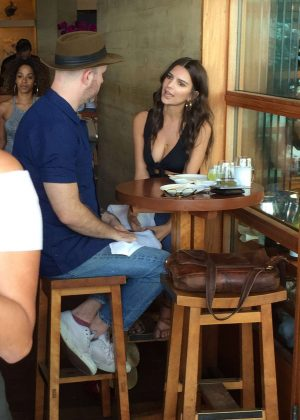 Emily Ratajkowski has lunch at Nobu Sushi restaurant in Malibu