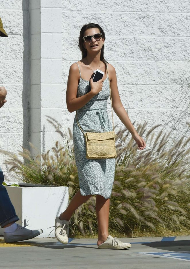 Emily Ratajkowski has lunch at the Dinette cafe in Los Angeles
