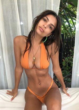 Emily Ratajkowski in Bikini - Personal Pics