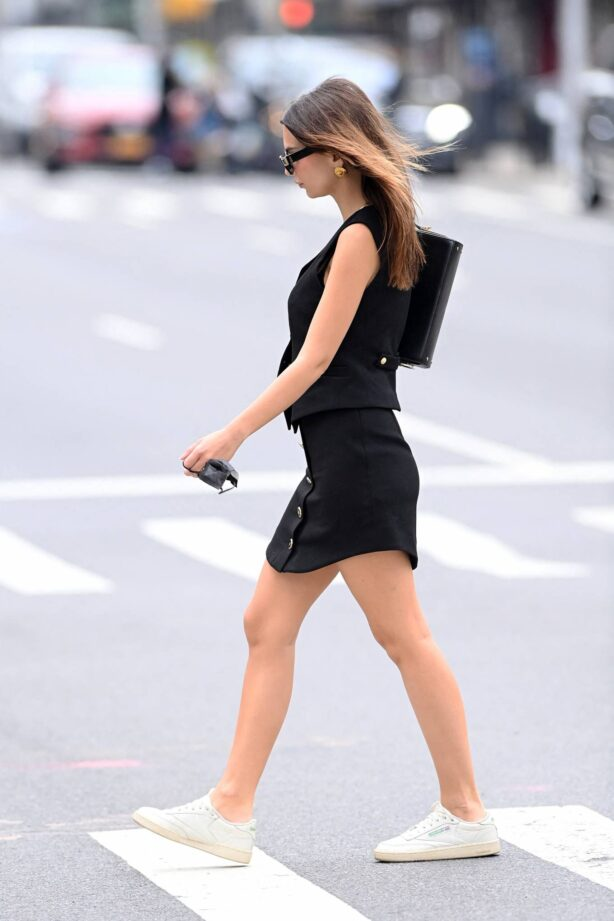 Emily Ratajkowski - In black mini dress out for a walk in New York