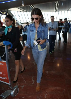 Emily Ratajkowski in Jeans at Nice Airport in Cannes
