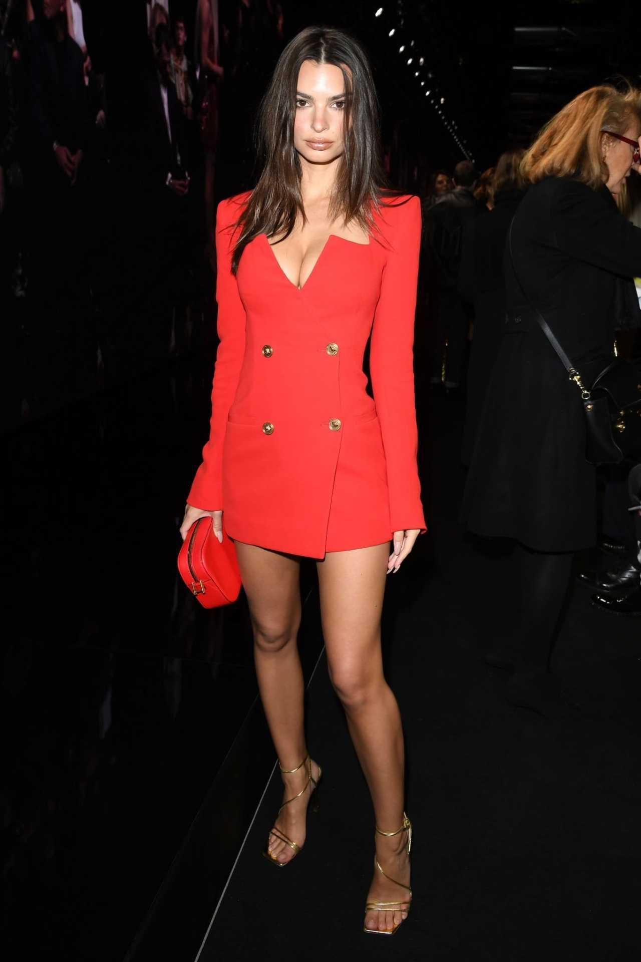 Emily Ratajkowski 2020 : Emily Ratajkowski – In red at Versace Fashion Show in Milan February-04