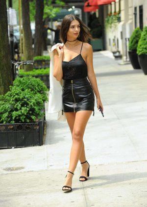Emily Ratajkowski in Short Leather Skirt -06