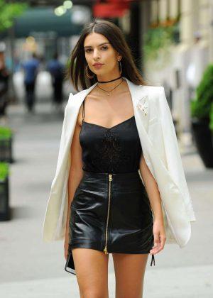 Emily Ratajkowski in Short Leather Skirt -20