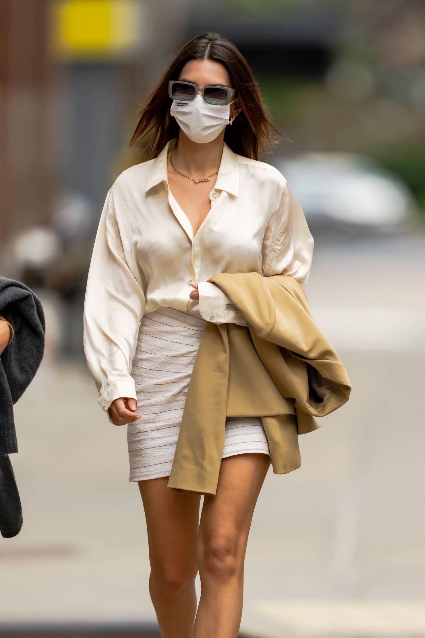 Emily Ratajkowski 2021 : Emily Ratajkowski – In white mini skirt out for a walk in New York-01