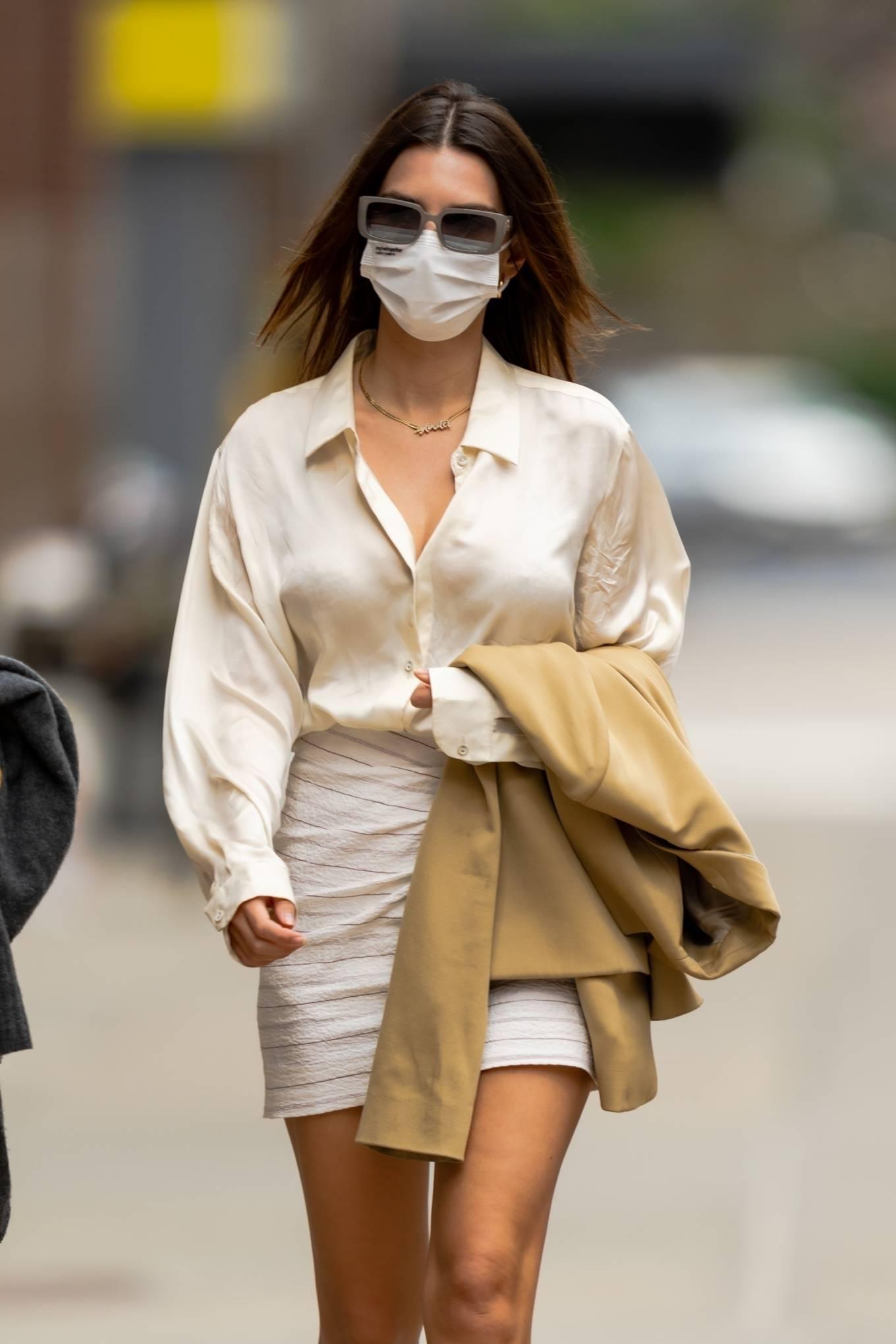 Emily Ratajkowski 2021 : Emily Ratajkowski – In white mini skirt out for a walk in New York-08