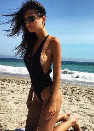 Emily Ratajkowski - Instagram