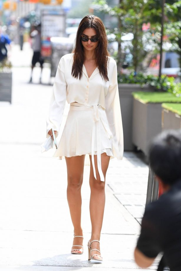 Emily Ratajkowski - Look stylish in white summer dress while out for lunch in New York