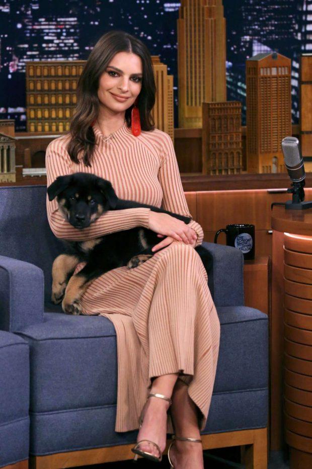 Emily Ratajkowski - On 'The Tonight Show Starring Jimmy Fallon' in NYC