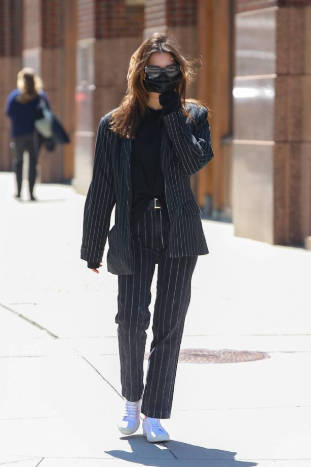 Emily Ratajkowski - Out in a navy blue striped suit in New York
