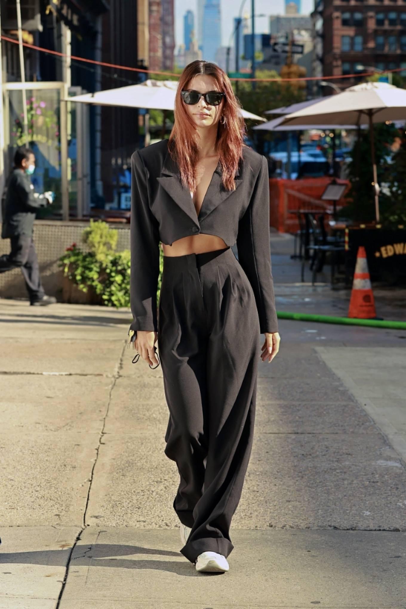 Emily Ratajkowski - Out in Tribeca