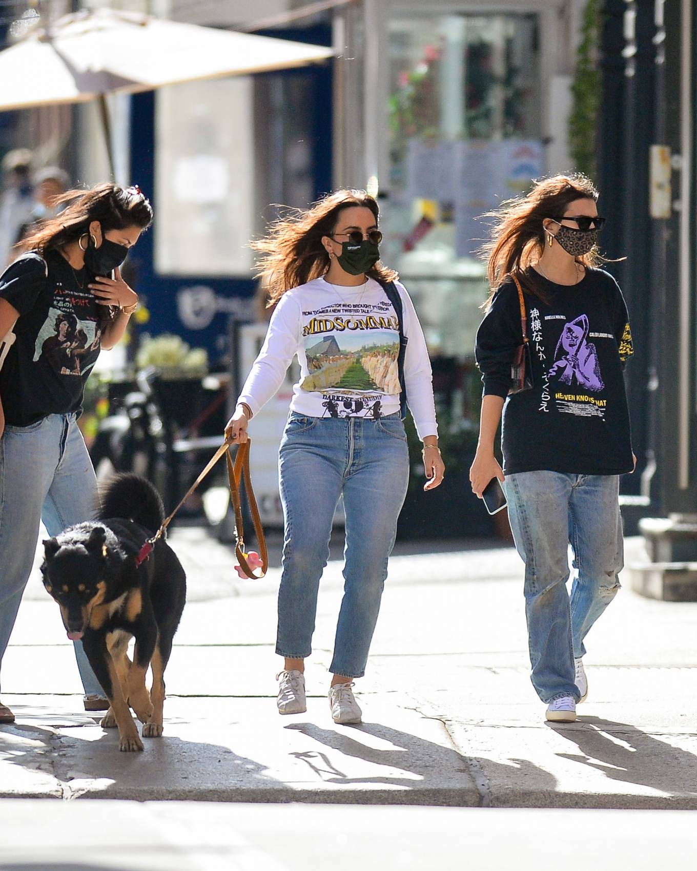 Emily Ratajkowski - Out with her dog in downtown New York