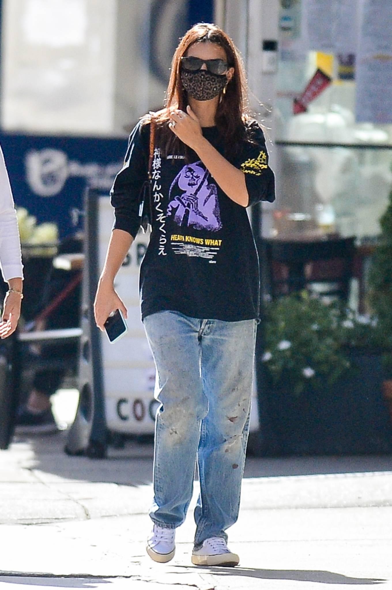 Emily Ratajkowski 2020 : Emily Ratajkowski – Out with her dog in downtown New York-06