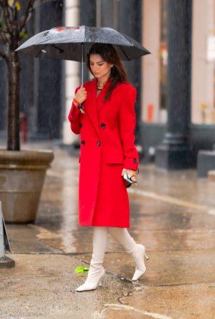 Emily Ratajkowski - Pictured on a Rainy Day in New York City