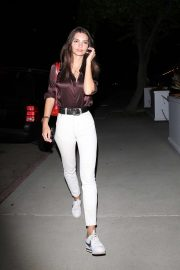 Emily Ratajkowski - Seen leaving dinner in Eagle Rock