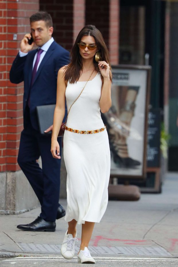 Emily Ratajkowski: Spotted on her phone in NYC -08